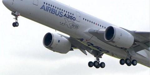 Décollage de l'A350 XWB pour la 1ère fois le 14 juin 2013 depuis Toulouse