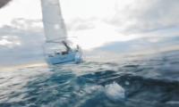 Sortie en mer, la campagne choc de Guy Cotten pour le port du gilet de sauvetage